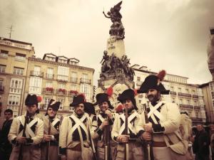 Monumento a la Independencia de Vitoria - Flores en Red