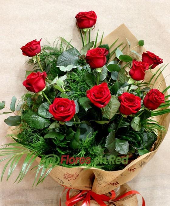 Detalle Ramo 10 Rosas Rojas