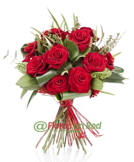 ramo de rosas en floristerías en Vitoria Gasteiz para ocasiones especiales, San Valentín, Día de la madre, etc.